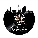 Liafa Wanduhren Deutschland Uhr Skyline Home Decor Berlin Schallplatte Silhouette Wanduhr Stadtansicht Uhr Euro Travel Souvenir Beleuchtet